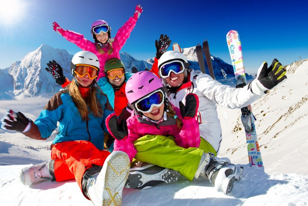 Family in a skiing vacation